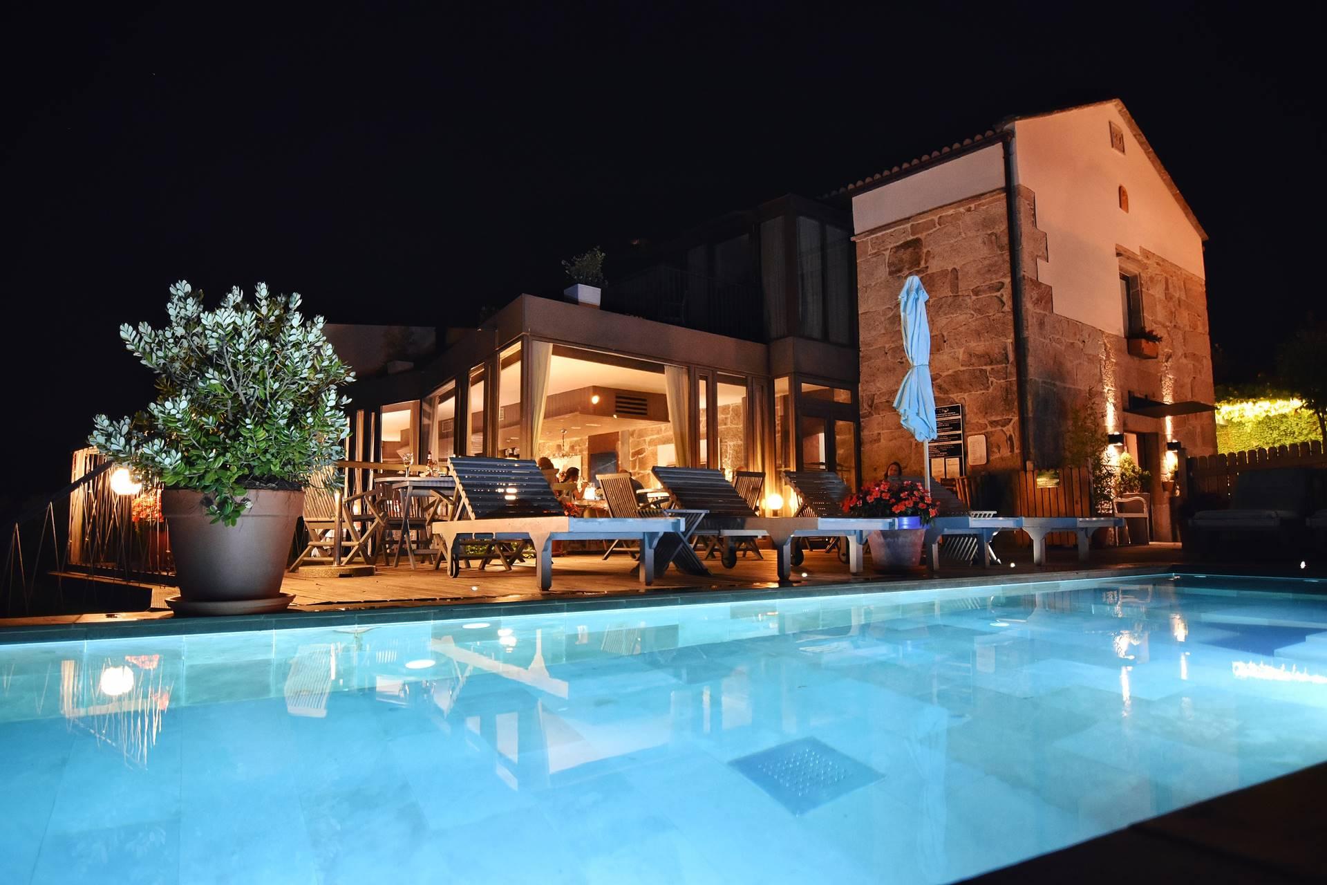 Quinta de San Amaro Hotel & Restaurante de noche